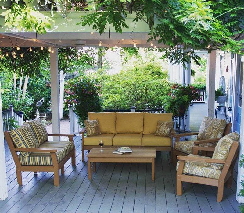 Backyard With Functional Patio Furniture, Casual Patio Furniture