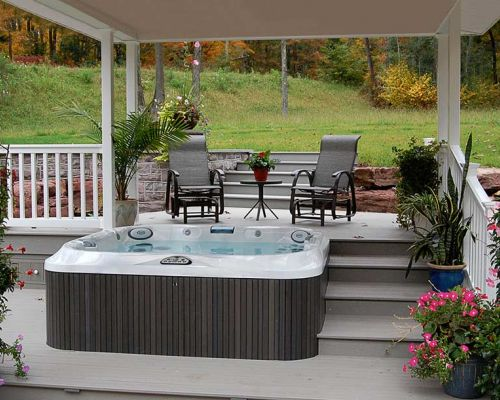 Covered Outdoor Jacuzzi Hot Tub Minnesota